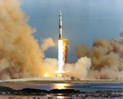 apollo-rocket-launch