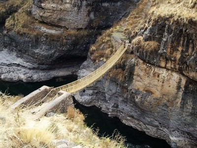 Rope-Bridge-Peru